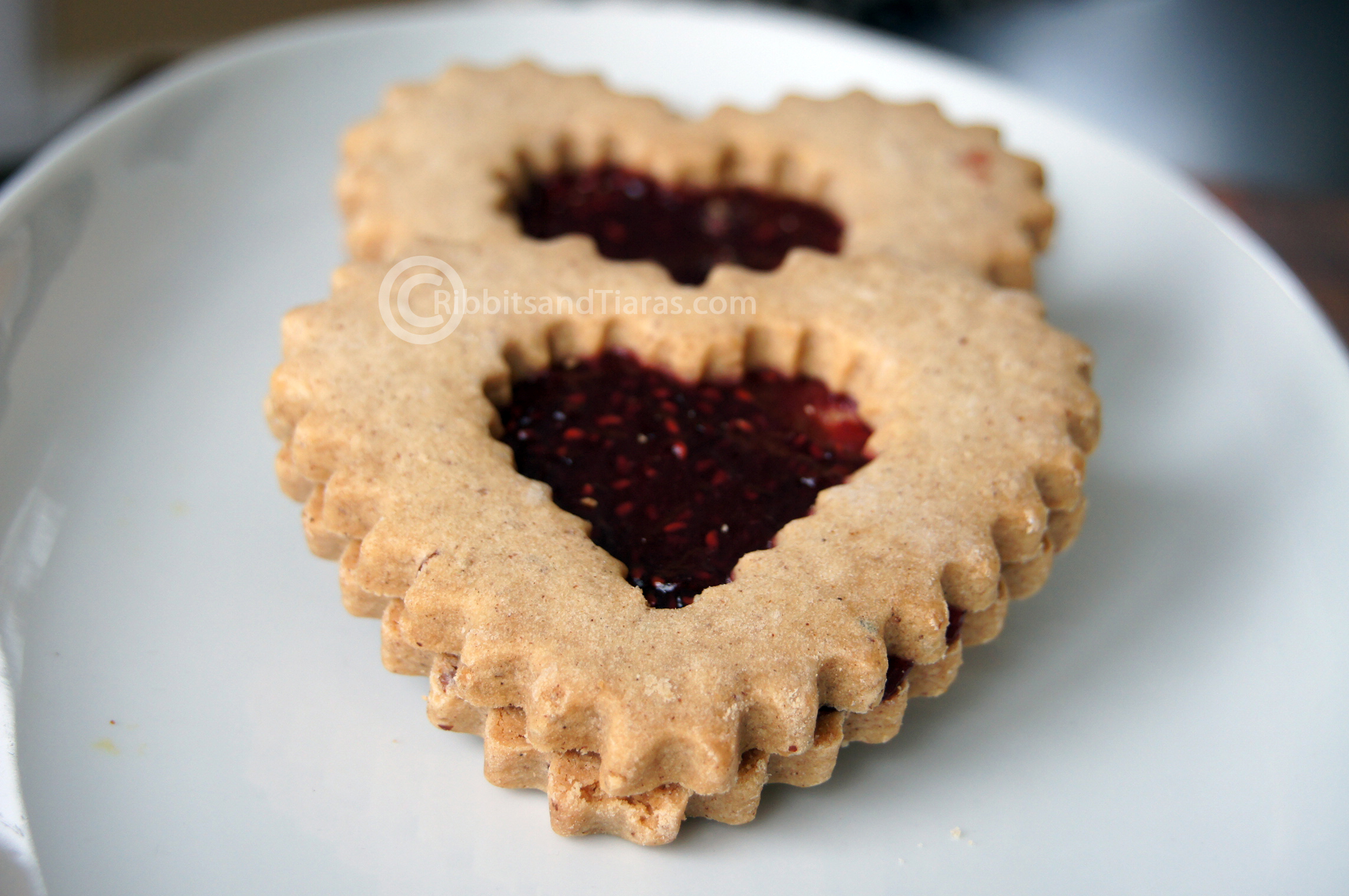 Heart Shaped Linzer Tart Cookies for Valentine's Day | Bits and ...