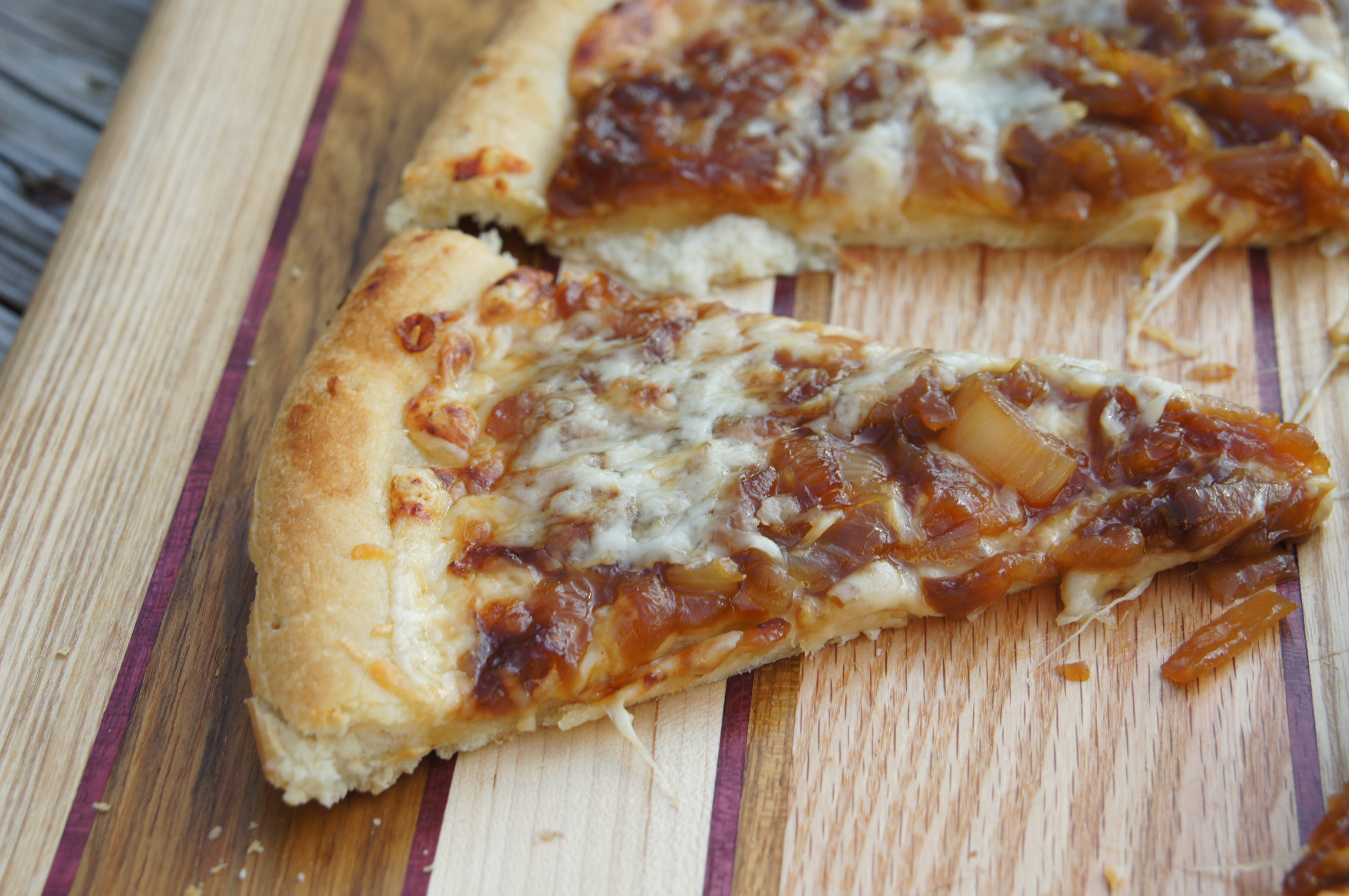 Caramelized Onion 4 Cheese Pizza | Bits and Bytes