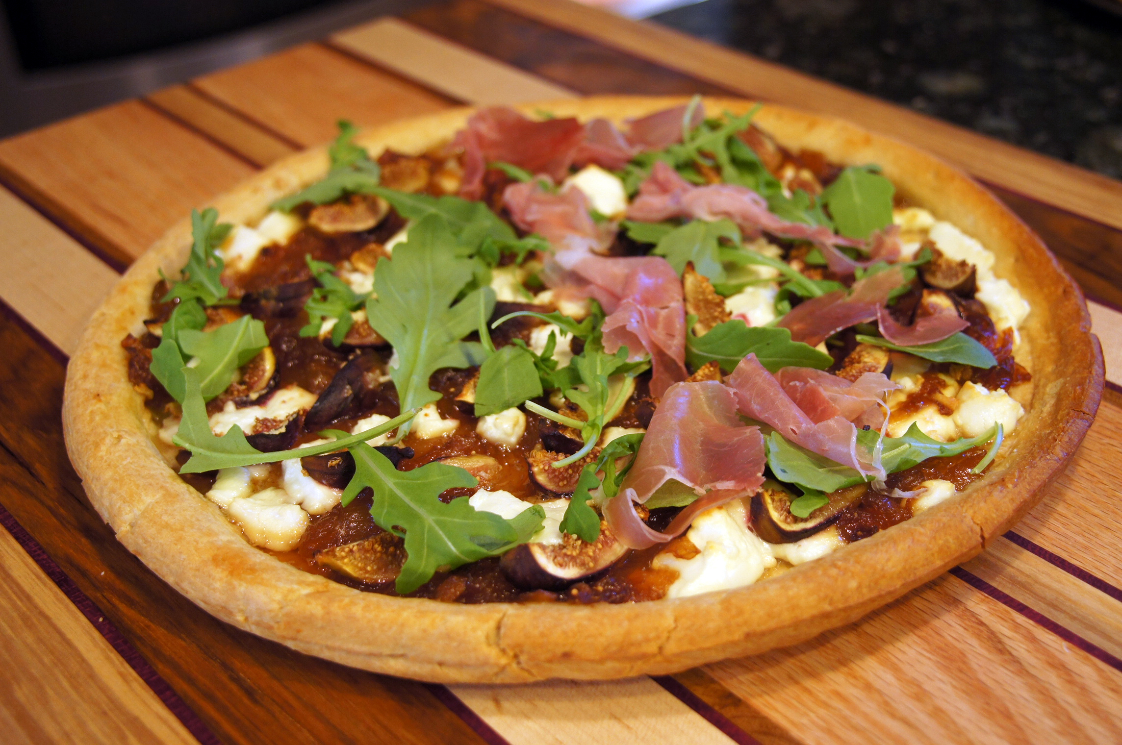 Fig and Goat Cheese Pizza with Arugula and Prosciutto | Bits and Bytes
